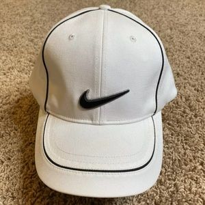 Nike Golf Hat Mens Size 7 1/4 White Cap